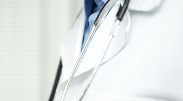 Doctors' Clothes: Reason to Change?